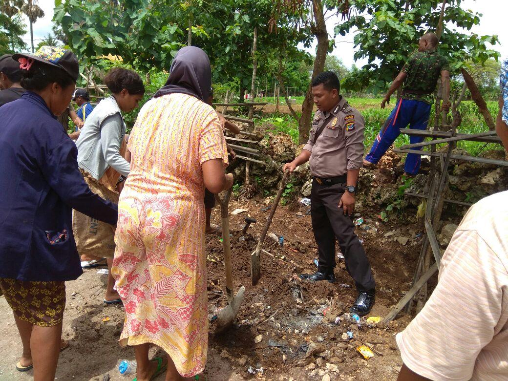 Tertibkan hewan peliharaan warga, Bhabinkamtibmas bersama instansi terkait datangi warga
