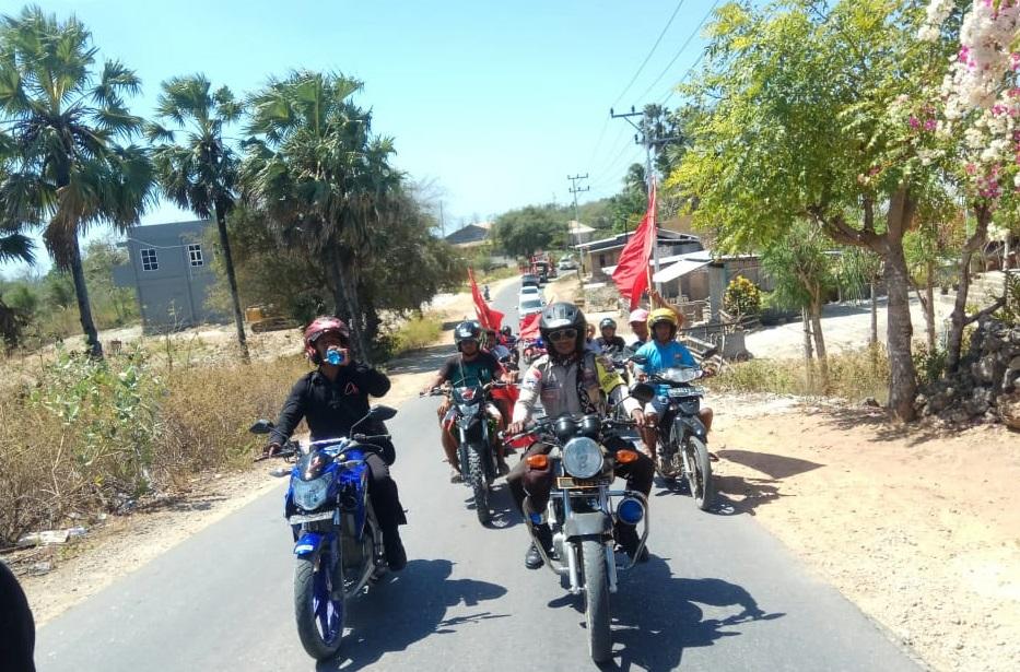 Bhabinkamtibmas Desa Busalangga Timur Kawal Pulang Anggota DPRD Usai Dilantik